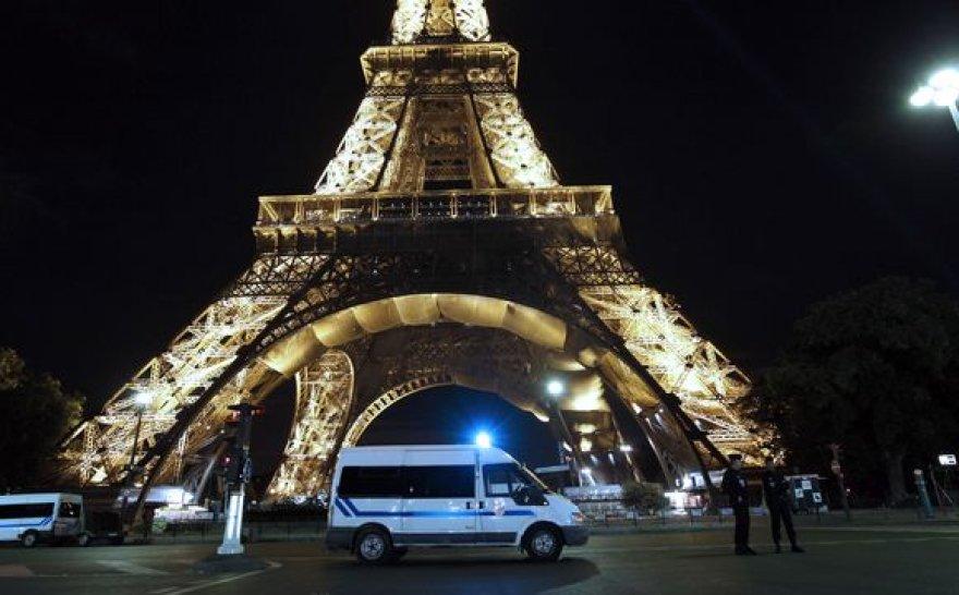 Eifelio bokštas po evakuacijos