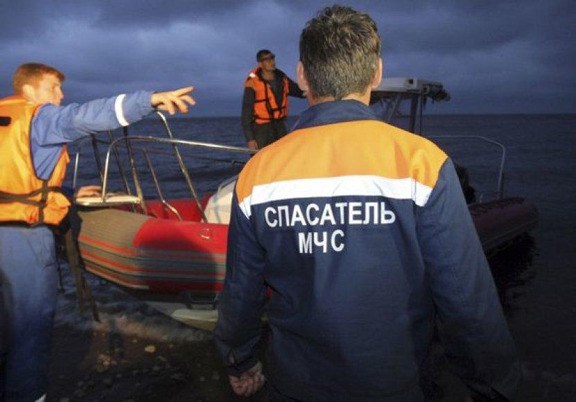 Nuskendus laivui – vis dar nežinia, kiek žmonių žuvo
