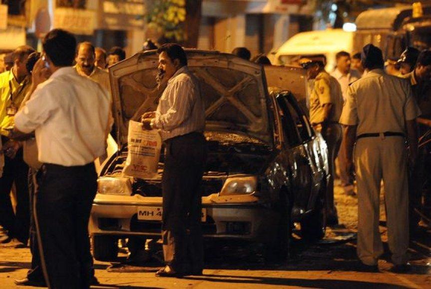 Sprogimai Indijos mieste Mumbajuje
