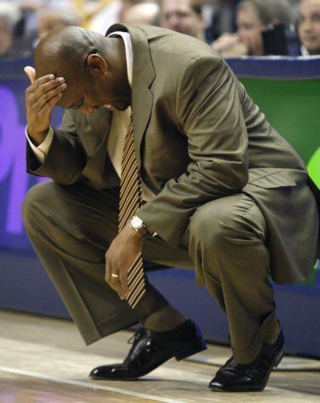 """""""Cavaliers"""" strategas M.Brownas yra pasiryžęs vardan komandos lyderių poilsio paaukoti reguliariojo sezono nugalėtojų titulą."""