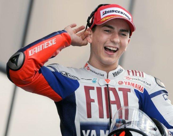 Nugalėjęs Le Mane J.Lorenzo su 66 taškais pakilo į pirmąją bendrosios rikiuotės vietą.