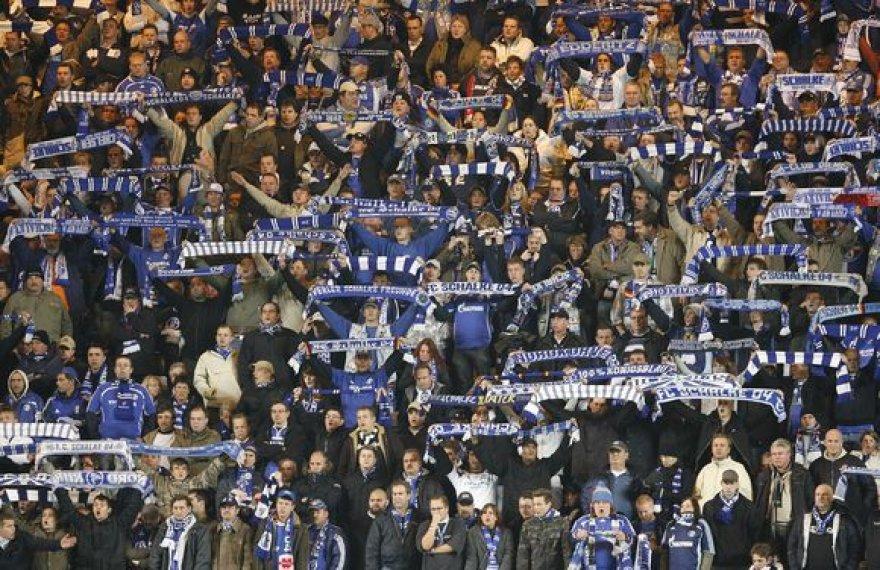 """Anot pranešimų, skandalą sukėlusi """"Schalke 04"""" klubo gerbėjų skanduotė buvo sukurta dar 1924 metais, tačiau kada joje buvo paminėtas pranašas Mohamedas – nežinoma."""