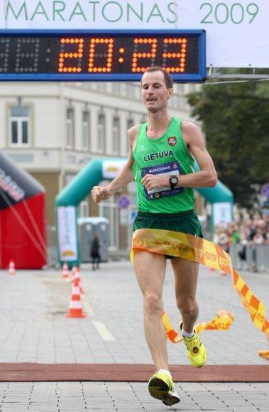"""""""Vilniaus maratono 2009"""" nugalėtojas Darius Škarnulis"""