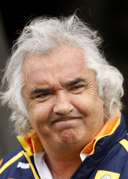 """Pranešama, jog nepavykus sušvelninti jam skirtos bausmės F.Briatore gali ryštis įkurti alternatyvų """"Formulei-1"""" čempionatą"""