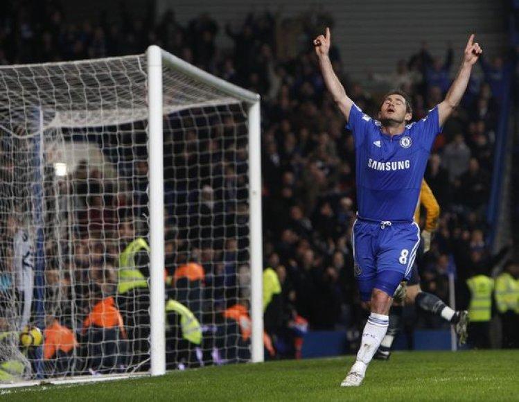 """F.Lampardas taikliais smūgiais daužė į šipulius """"Birmingham City"""" ekipos gynybą"""