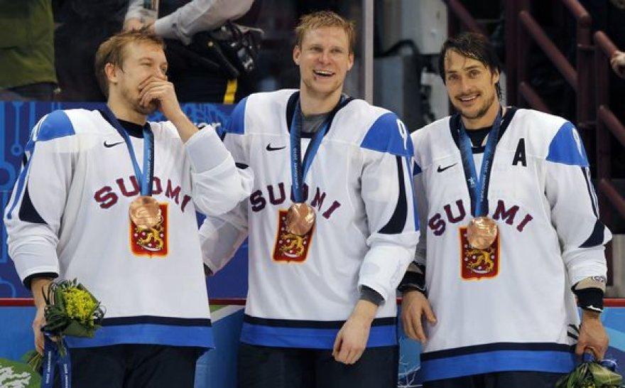 Suomiai džiaugiasi apdovanojimais