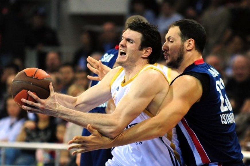 D.Lavrinovičius prie pergalės prisidėjo 12 taškų