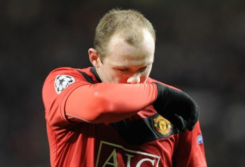 """W.Rooney neįtikėtinai greito pasveikimo po traumos patekti į pusfinalį """"Manchester United"""" neužteko"""