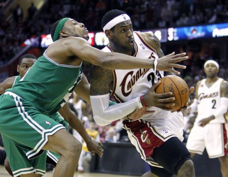 "L.Jamesas drąskė ""Celtics"" gynybą"