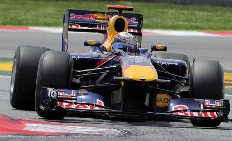 S.Vettelis finišą Barselonoje sugebėjo pasiekti nepaisant stabdžių gedimo