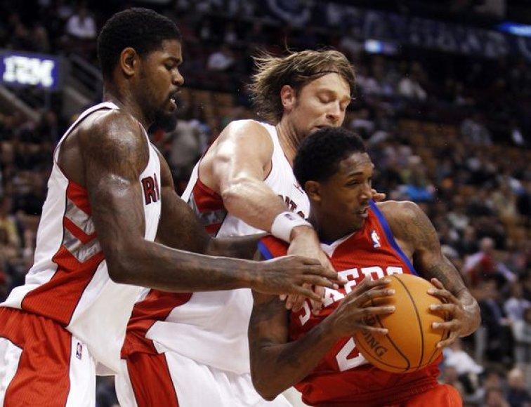 """""""Raptors"""" ir """"76ers"""" ekipų akistatoje nugalėtojas paaiškėjo tik po dviejų pratęsimų"""