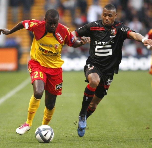 """""""Racing Lens"""" (kairėje) ir """"Stade Rennes"""" komandų dvikovoje įvarčių įmušta nebuvo"""