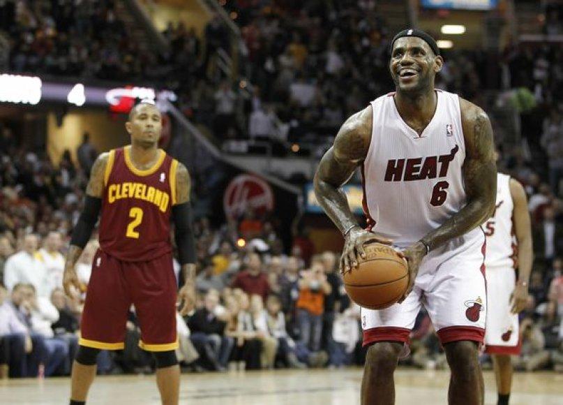 """LeBronas Jamesas savo sugrįžimą į Klivlandą pavertė pragaru """"Cavaliers"""" gerbėjams."""