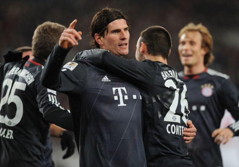"""Mario Gomezas """"Bayern"""" klubui pelnė tris įvarčius."""
