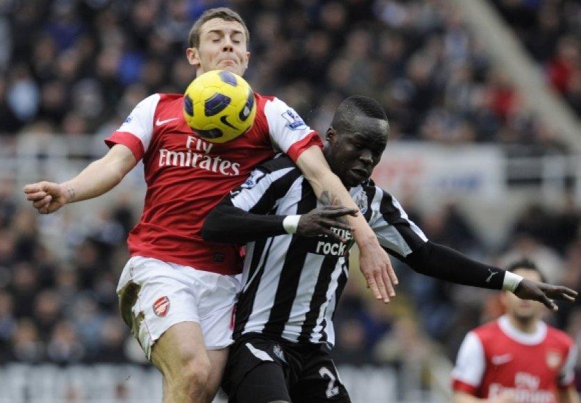 """""""Arsenal"""" ir """"Newcastle"""" mačas pasibaigė dramatiškomis lygiosiomis."""