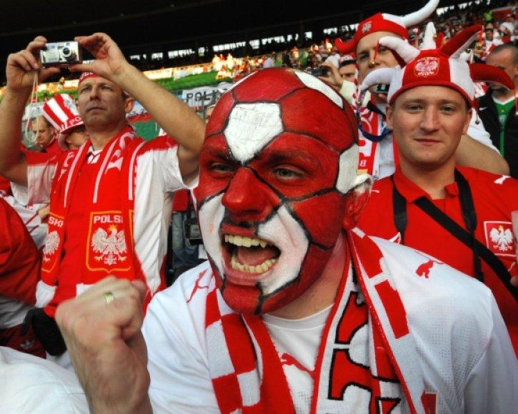 Lenkijos futbolo sirgaliai Lietuvoje.