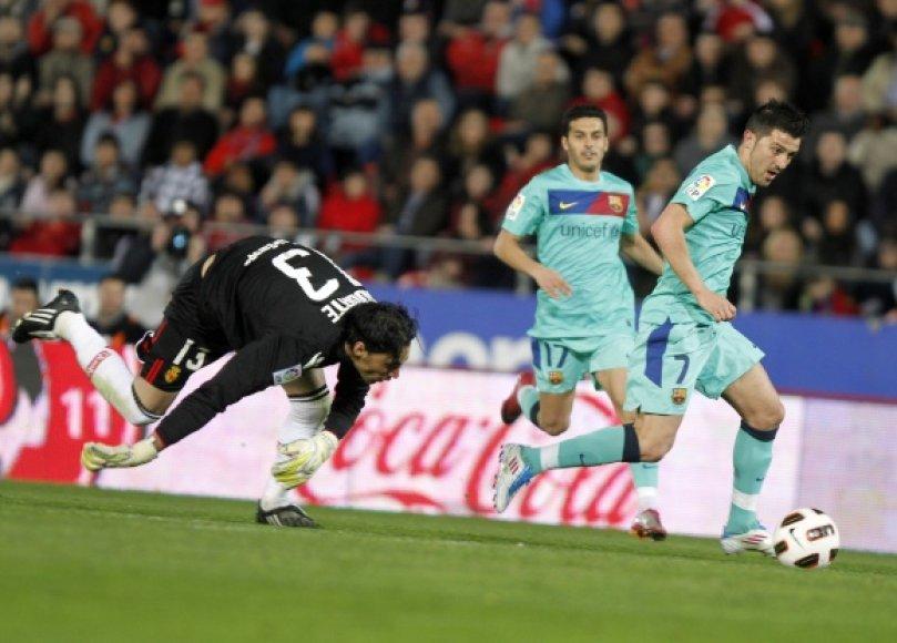 """""""Barcelona"""" padidino savo persvarą prieš """"Real"""" iki 7 taškų."""