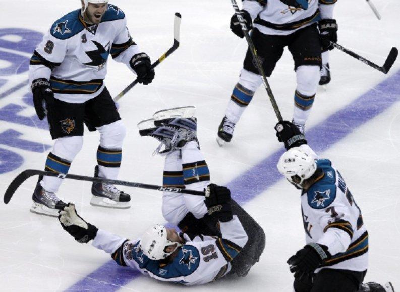 """Sharks"" ledo ritulininkų triumfas."