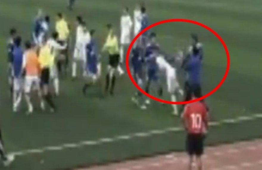 Žiauriai varžovą užsipuolęs Armandas Masimzhanovas daugiau niekada nebegalės profesionaliai žaisti futbolo.