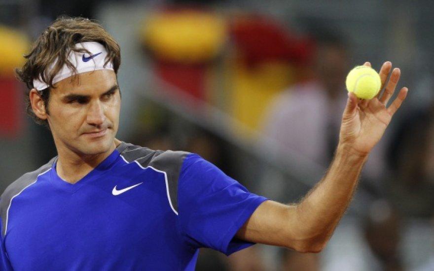 Rogeris Federeris išsigelbėjo tik po 3 valandas trukusios kovos.