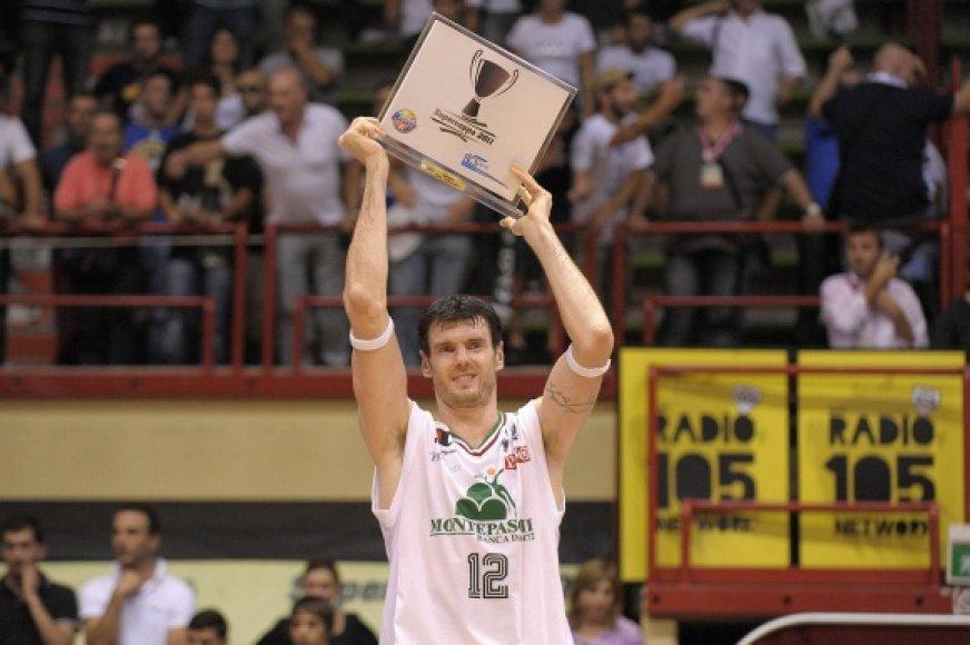 Kšištofui Lavrinovičiui buvo įteiktas naudingiausio krepšininko prizas.