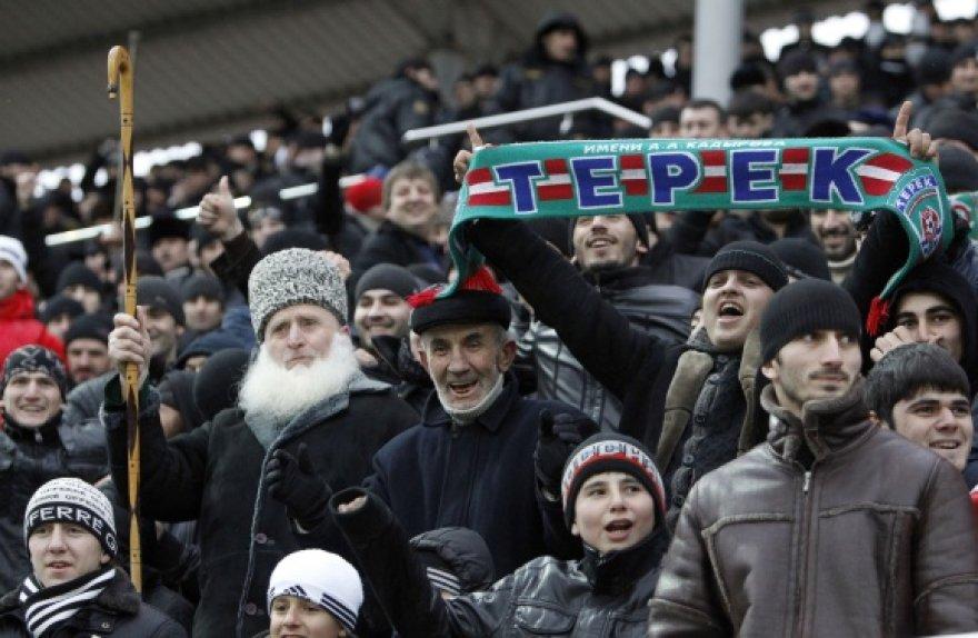 """Grozno """"Terek"""" futbolo klubo sirgaliai."""