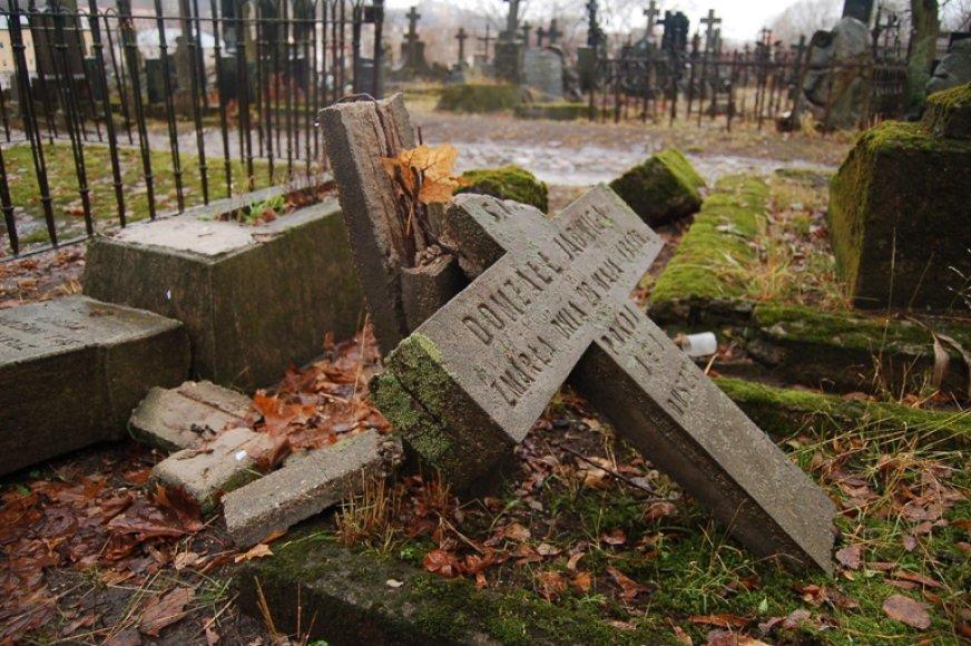 Bernardinų kapinėse.