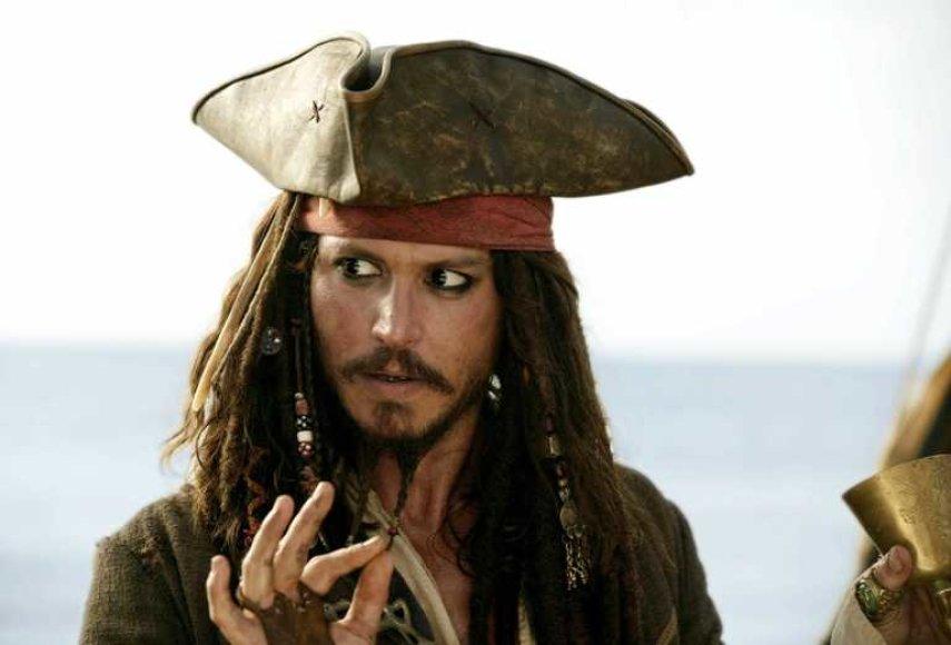 """Johnny Deppas naujoje """"Karibų jūros piratų"""" dalyje vėl atgis kaip kapitonas Džekas Sperou."""