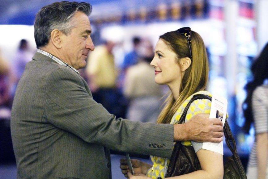 "Drew Barrymore ir Robertas De Niro filme ""Viskas normaliai"""
