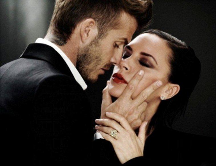 """Kadras iš kvepalų """"Intimately Beckham Yours"""" reklamos"""