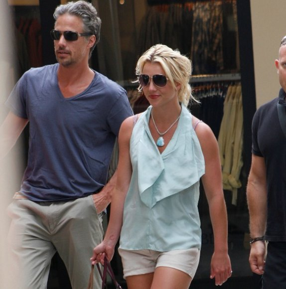Britney Spears su mylimuoju Jasonu Trawicku
