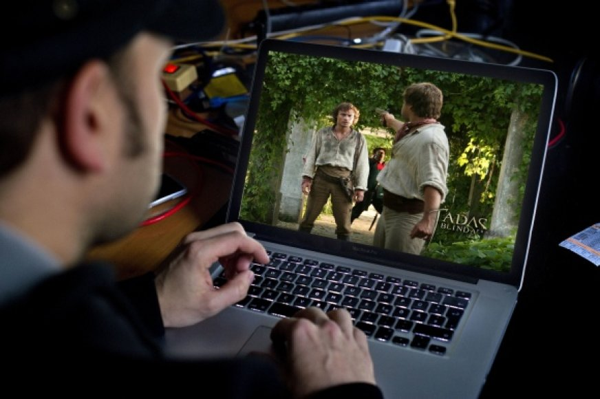 """LANVA ir policija medžios nelegalius filmo """"Tadas Blinda. Pradžia"""" siuntėjus"""