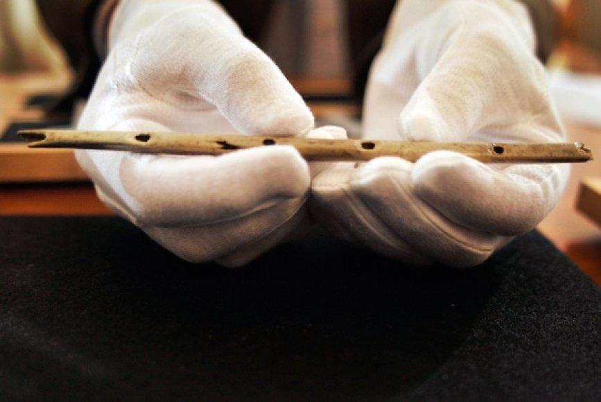 35 tūkst. metų senumo fleita.
