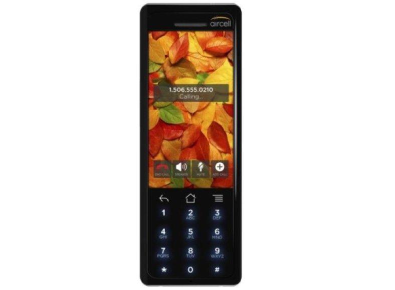 """Pirmasis skrydžių mobiliojo ryšio telefonas """"Aircell Smartphone""""."""