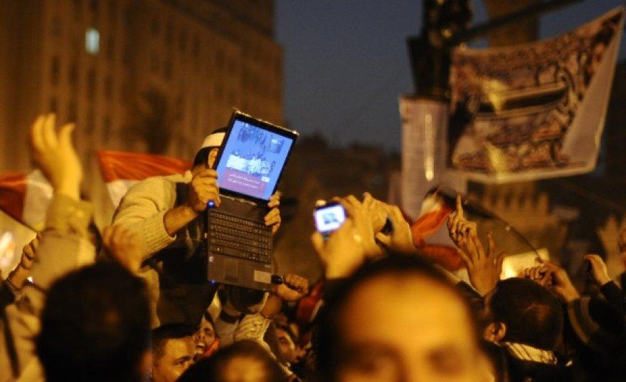 Internetas buvo aktyviai naudojamas organizuojant protesto akcijas Egipte.