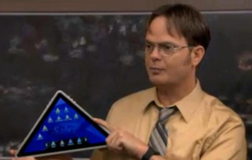 """Seriale """"The Office"""" pristatytas trikampio formos planšetinis kompiuteris."""
