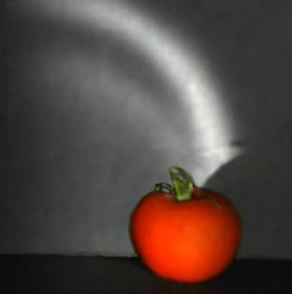 Mokslininkams pavyko nufilmuoti šviesos bangų sklidimą.