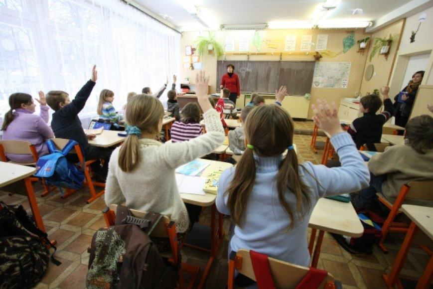 Vilniaus švietimo įstaigos nuo antradienio gali kreiptis į energetikus dėl šildymo įjungimo.
