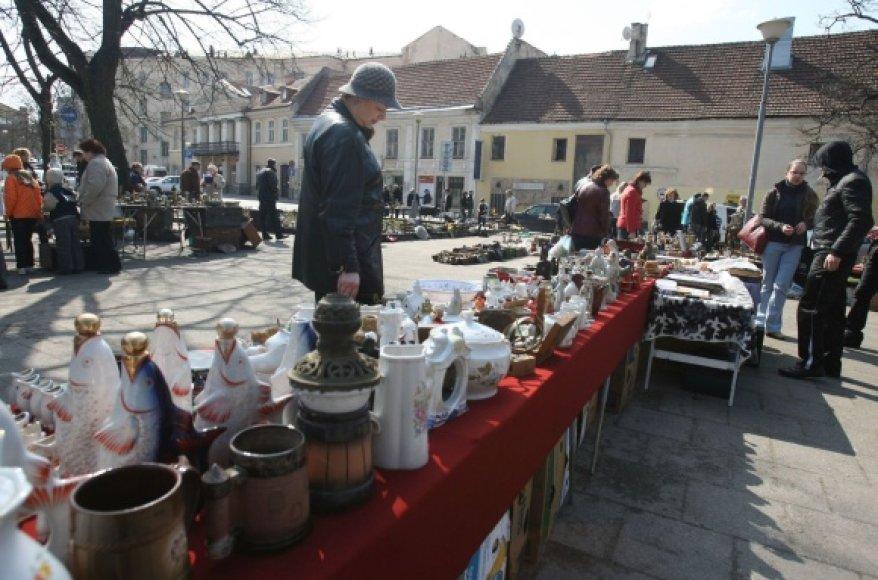 Naujoji sendaikčių mugė Vilniuje savaitgaliais įsikurs Lazdynų Pelėdos skvere.