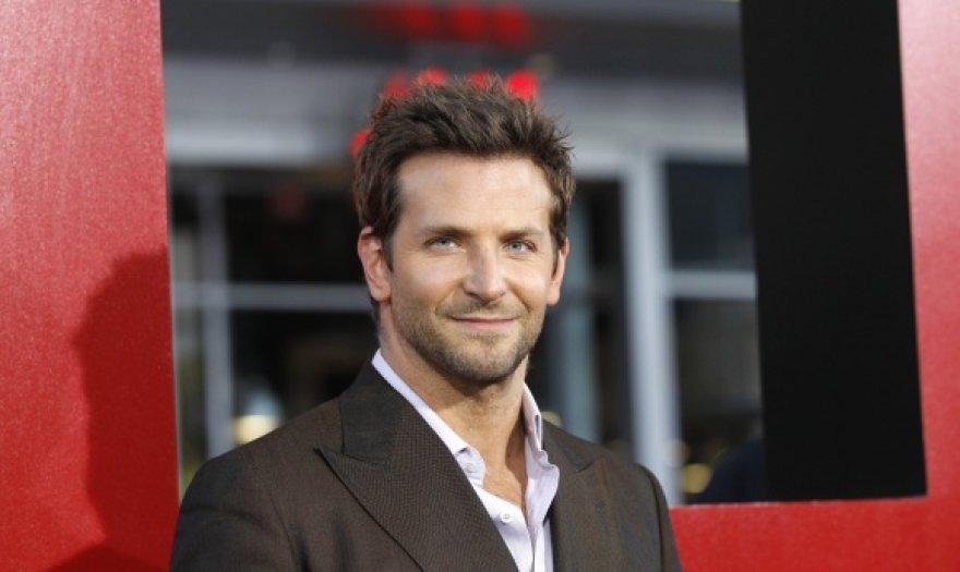 Aktorius Bradley Cooperis