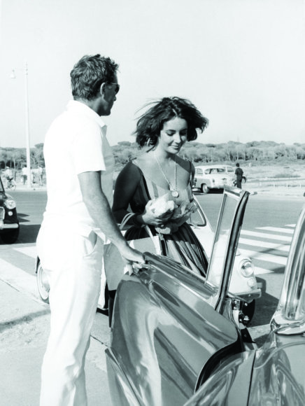 Vida Press nuotr./Elizabeth Taylor ir Richardas Burtonas