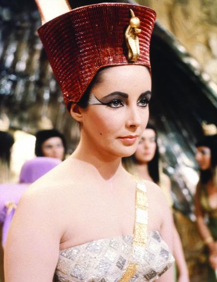 "Vida Press nuotr./Elizabeth Taylor filme ""Kleopatra"""