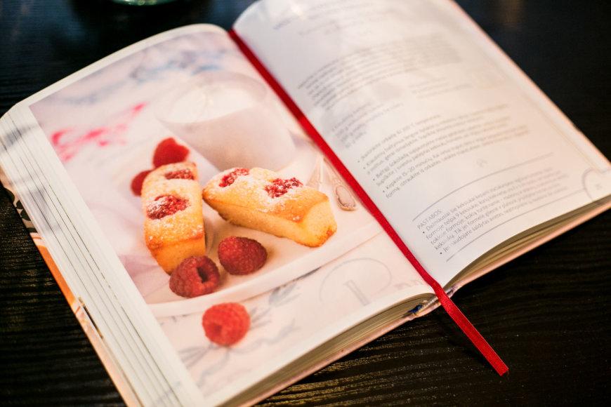 """Juliaus Kalinsko / 15min nuotr./Kulinarinė knyga """"Prancūzijos virtuvė"""""""