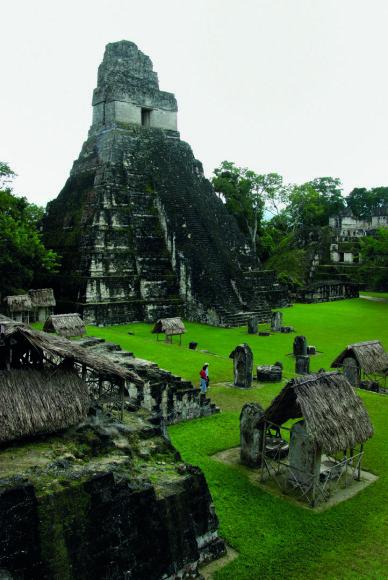 """""""Shutterstock"""" nuotr./Tikalio piramidės Gvatemaloje"""