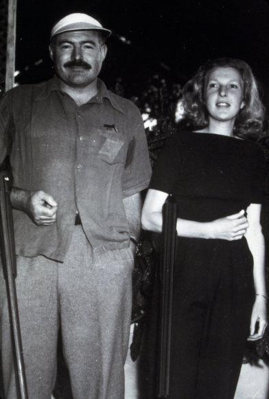 Vida Press nuotr./Ernestas Hemingway ir Martha Gellhorn 1942 m.