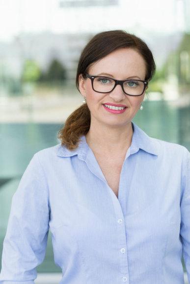 Vida Press nuotr./Moteris su akiniais
