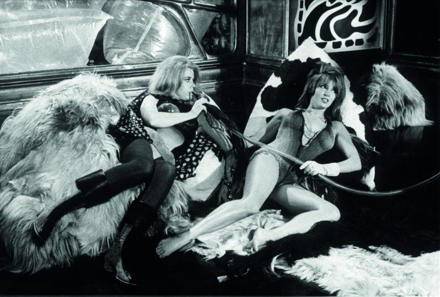 "Vida Press nuotr./Talitha Pol Getty filme ""Barbarela"", 1968 m."
