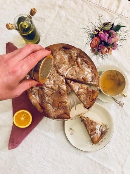 Obuolių pyragas su alyvuogių aliejumi