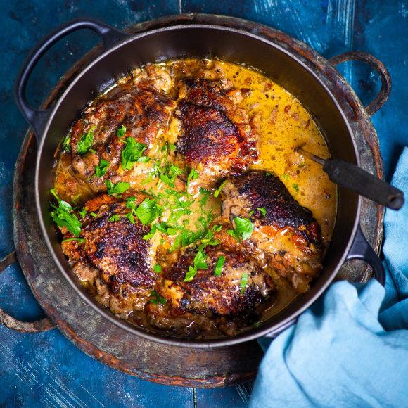 Viščiukas, troškintas garstyčių ir vyno padaže