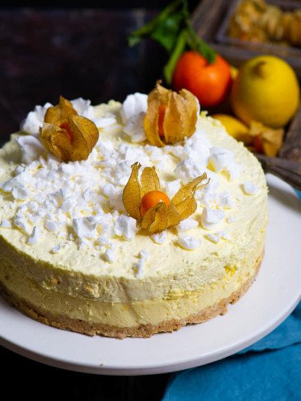 Citrininis varškės tortas su citrinų putėsiais